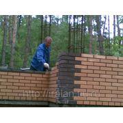 Кирпичная кладка стен простая при высоте стен до 4 метров