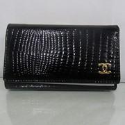 Кожаный кошелек Chanel фото