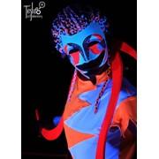 Световое шоу в ультрафиолете фото