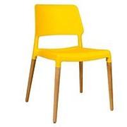 Стул BISTRO желтый, деревянные ножки. фото