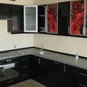 Кухня с фотофасадом (водопад) с подсветкой фото