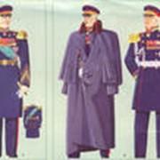 Фуражки, пилотки, каски, гимнастерки, галифе, военная обувь фото