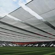Противосолнечное защитное покрывало для футбольных полей фото
