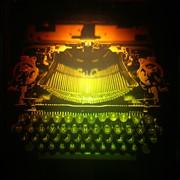 Голограмма художественная Печатная машинка фото