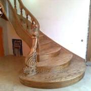 Лестницы из дерева. фото
