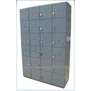 Шкаф с ячейками для посетителей фото
