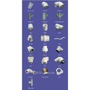 Трубы и фитинги полипропиленовые разных размеров и диаметров фото