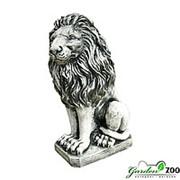 Скульптура сидящий лев фото