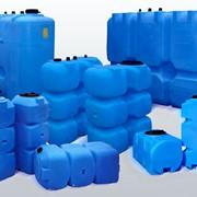 Пластиковые баки для воды и топлива фото