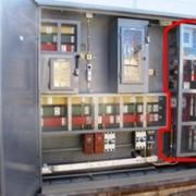 Конденсаторные установки с тиристорной коммутацией отличаются более высоким быстродействием, что позволяет эффективно компенсировать реактивную энергию при резкопеременном характере нагрузки. фото