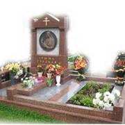 Памятники и надгробья из мрамора фото