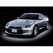 Автомобиль Nissan GT-R фото