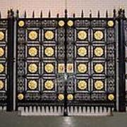 Нанесение полимерного покрытия на ворота фото