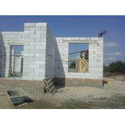 Строительство дач и дачных домиков из блочных изделии с облицовкой кирпичом (под ключ) фото