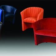 Округлый диван-бержер Лотос со спинокой, плавно переходящей в подлокотники фото