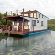 Дома на воде, плавдома, плавдачи. фото