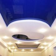 Натяжной потолок двухуровневый для гостинной фото
