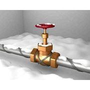 Обогрев труб с помощью греющего кабеля для защиты труб от замерзания фото