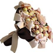 Букет из конфет Кремовые розы фото