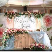 Услуги по декору свадебного зала фото
