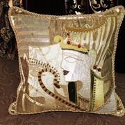 Декоративная подушка ручной работы фото