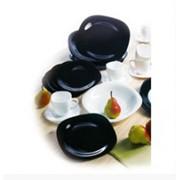 Чашка с блюдцем бел/черн фотография