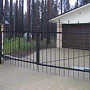 Распашные въездные ворота фото