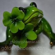 Статуэтка Лягушка, В обнимку с цветком фото
