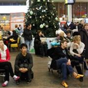 Встреча пассажиров и провожающих лиц в секторе VIP фото