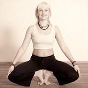 Йога-терапия, пластика тела для женщин, йога для женщин в Киеве фото