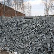 Качественные и долговечные отделочные материалы из природного камня по наиболее оптимальным ценам! Материалы каменные природные строительные-доставка, укладка, установка, монтаж. фото