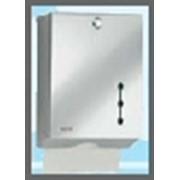 Раздатчик бумажных полотенец Hygofold из хромированной стали для туалетов общего пользования. Антивандальное оборудование. фото