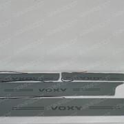 Накладки на пороги Toyota Voxy с подсветкой фото