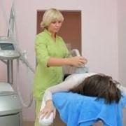 Вакуумный массаж на профессиональном медицинском оборудовании фото