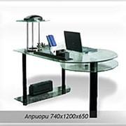 Стеклянный компьютерный стол Априори фото