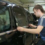 Тонирование автомобильных стекол крашенной пленкой фото