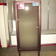 Шкаф пожарный встроенный со стеклянными дверцами фото