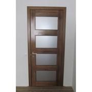 Дверь со стеклянными вставками фото
