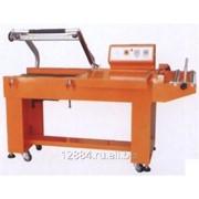 Упаковочная машина для запечатывания и резки пакетов BSL-5045L. Термоусадка фото