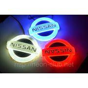 Горящая задняя эмблема Nissan | Ниссан фото