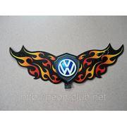 Неоновая авто эмблема Volkswagen | Фольксваген на заднее стекло, размером 38*13 см. фото