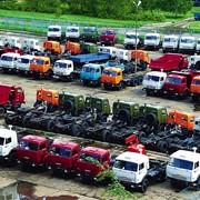 Хранение грузового и легкового автотранспорта на открытых стоянках фото
