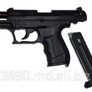 Полуавтоматическое оружие Walther P22 калибра 22 LR фото