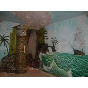 Декорация и художественная роспись стен в детской комнате. фото
