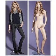 Манекен женский реалистичный телесный, с макияжем и париком, для одежды в полный рост, стоячий прямо, согнута левая нога. MD-LG-87 фото