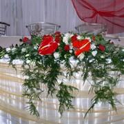 Композиция цветочная для украшения свадебного зала фото
