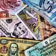 Проверка подлинности валют. фото