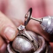Срочный ремонт цепочек, ремонт браслетов, ремонт колец, ремонт серег и т.д. фото