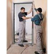 Монтаж дверей алюминиевые пластиковые фото