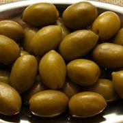 Зеленые оливки фото
